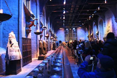 Mange vil se og fotografere matsalen på Hogwarts
